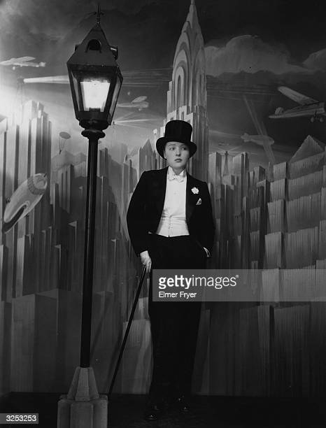 Actress Dorothy Mackaill plays Louanne in the First National film 'Bright Lights' directed by Michael Curtiz and performs the song 'I'm Just A Man...