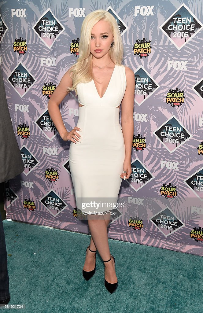 Actress Dove Cameron attends Teen Choice Awards 2016 at The Forum on July 31, 2016 in Inglewood, California.