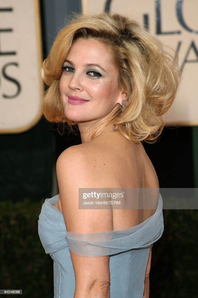 Actress Drew Barrymore arrives at the 66th Annual Golden Globe Awards held at the Beverly Hilton Hotel on January 11, 2009 in Beverly Hills, California.