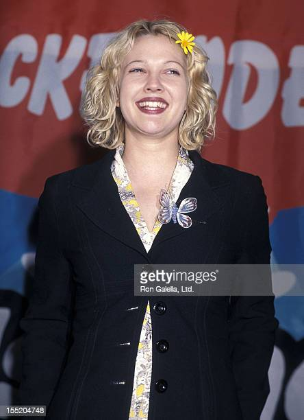 Actress Drew Barrymore attends the 11th Annual Nickelodeon's Kids' Choice Awards on April 4 1998 at the Pauley Pavilion UCLA in Westwood California