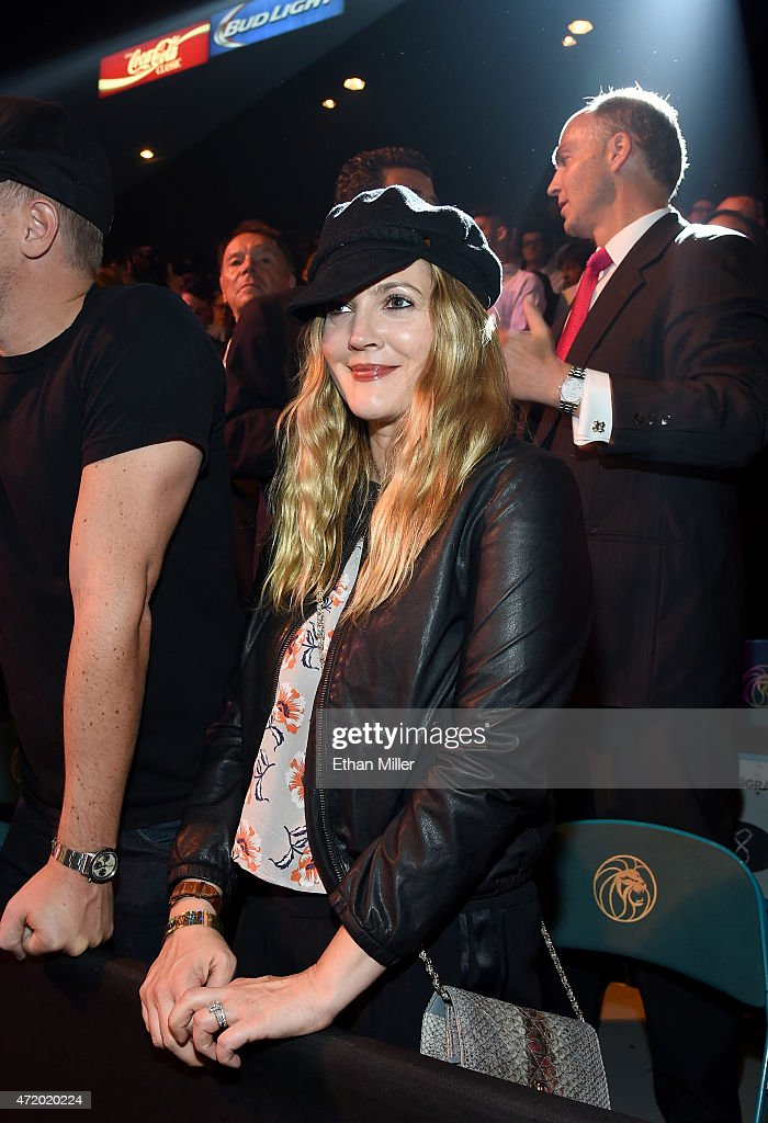 Actress Drew Barrymore poses ringside at 'Mayweather VS Pacquiao' presented by SHOWTIME PPV And HBO PPV at MGM Grand Garden Arena on May 2, 2015 in Las Vegas, Nevada.