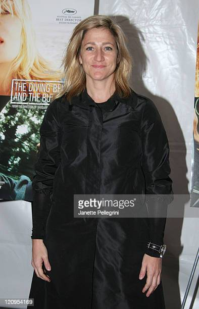 """Actress Edie Falco attends """"The Diving Bell and the Butterfly"""" premiere at the Ziegfeld Theater November 14, 2007 in New York City."""