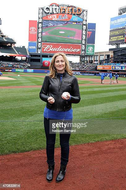 Actress Edie Falco star of SHOWTIME's original series NURSE JACKIE throws out the first pitch at the New York Mets game at Citi Field on April 23...