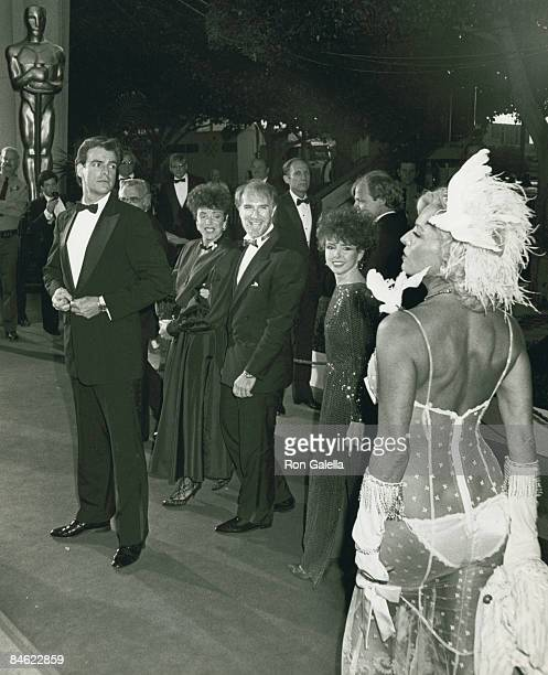 Actress Edy Williams attending 59th Annual Academy Awards on March 30 1987 at the Dorothy Chandler Pavilion in Los Angeles California