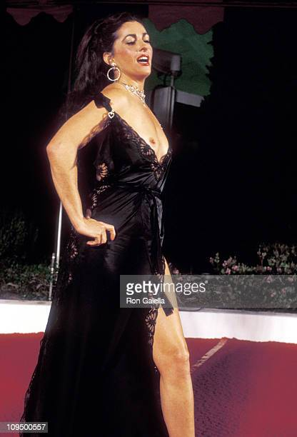 Actress Edy Williams attends the 50th Annual Academy Awards on April 3 1978 at Dorothy Chandler Pavilion in Los Angeles California