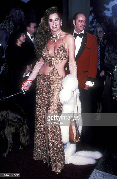 Actress Edy Williams attends the 54th Annual Academy Awards on March 29 1982 at Dorothy Chandler Pavilion in Los Angeles California