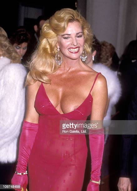 Actress Edy Williams attends the 56th Annual Academy Awards on April 9 1984 at Dorothy Chandler Pavilion in Los Angeles California