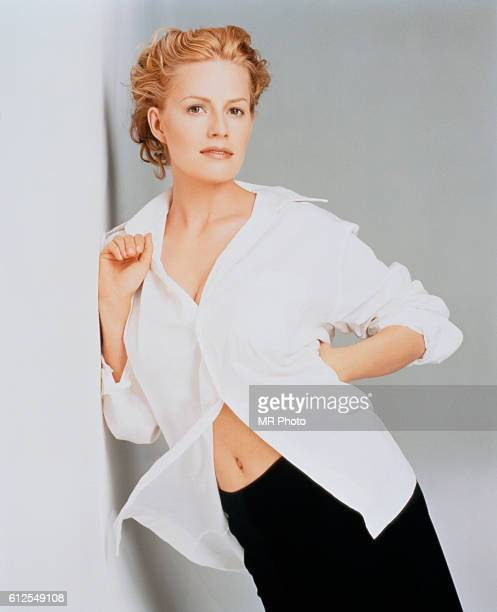 Actress Elisabeth Shue is photographed for Los Angeles Magazine in 1998 COVER IMAGE
