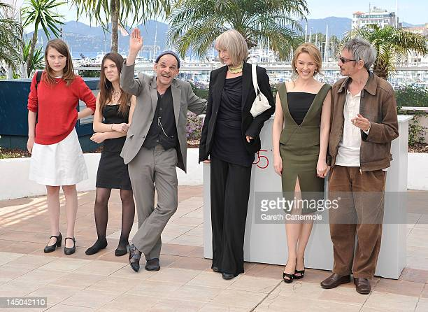 Actress Elise Lhomeau Jeanne Disson Denis Lavant Edith Scob Kylie Minogue and director Leos Carax pose at the Holy Motors photocall during the 65th...