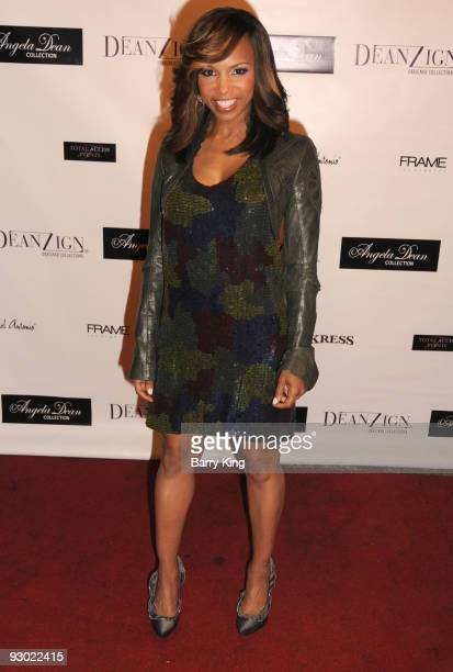 Actress Elise Neal arrives at the Angela Dean Fashion Show and launch party for the new ''Dean RTW'' Collection held at The Kress on November 12 2009...