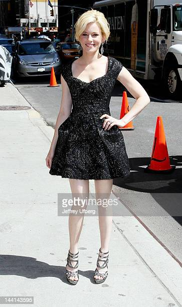 """Actress Elizabeth Banks arrives to """"Late Show with David Letterman"""" at Ed Sullivan Theater on May 10, 2012 in New York City."""