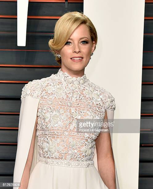 Actress Elizabeth Banks attends the 2016 Vanity Fair Oscar Party Hosted By Graydon Carter at the Wallis Annenberg Center for the Performing Arts on...