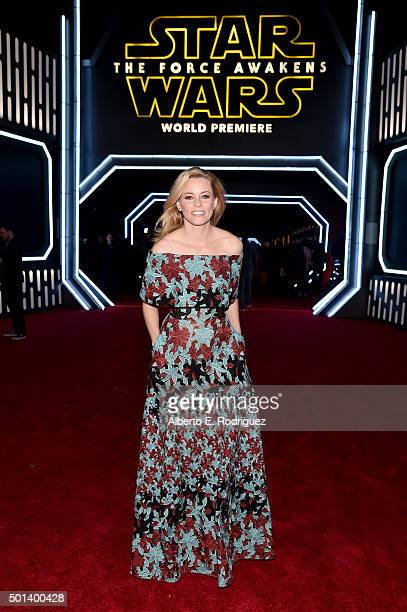 """Actress Elizabeth Banks attends the World Premiere of """"Star Wars The Force Awakens"""" at the Dolby El Capitan and TCL Theatres on December 14 2015 in..."""