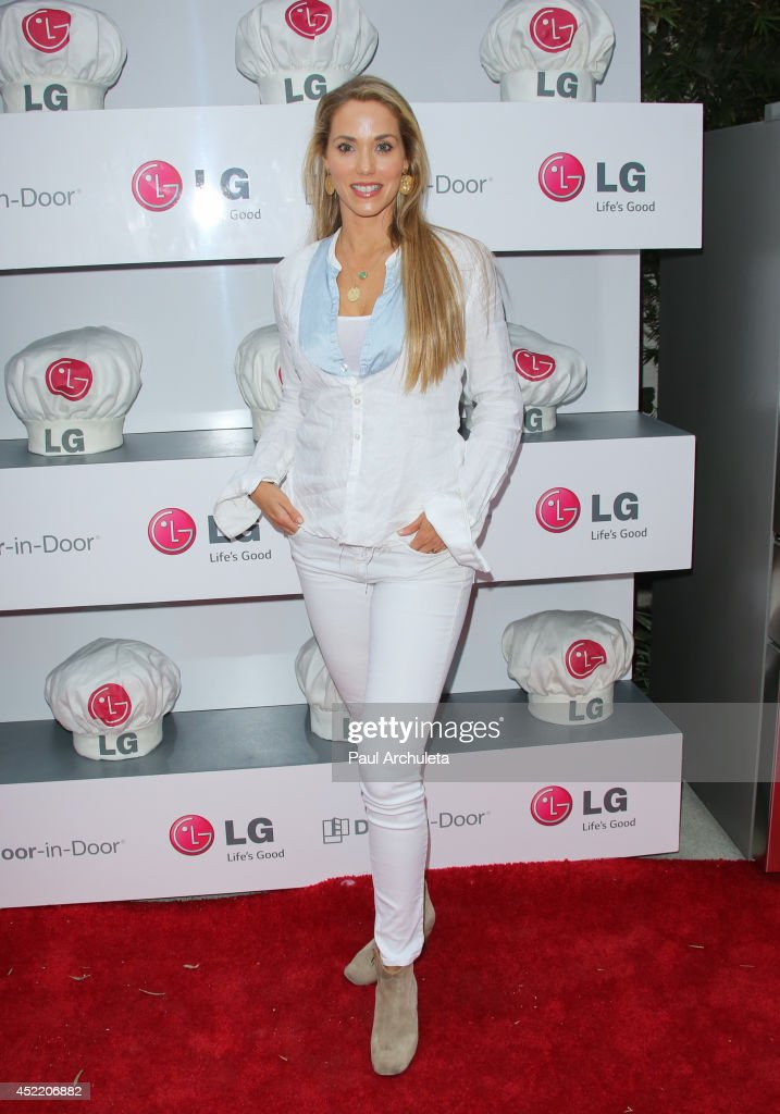 Actress Elizabeth Berkley attends the Junior Chef Academy event at The Washbow on July 15, 2014 in Culver City, California.
