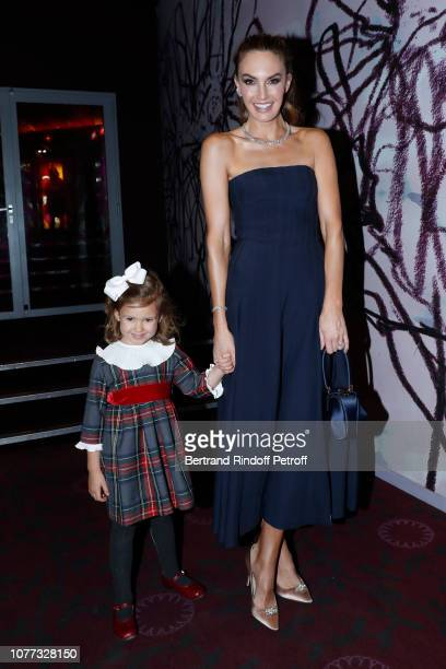 Actress Elizabeth Chambers and her daughter Harper Grace Hammer attend the Une Femme d'Exception On the Basis of Sex Paris Premiere at Cinema Gaumont...