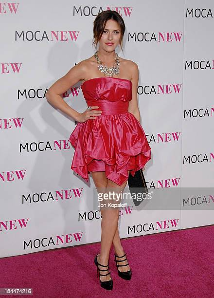 Actress Elizabeth Hendrickson arrives at The MOCA New 30th Anniversary Gala at MOCA Grand Avenue on November 14 2009 in Los Angeles California