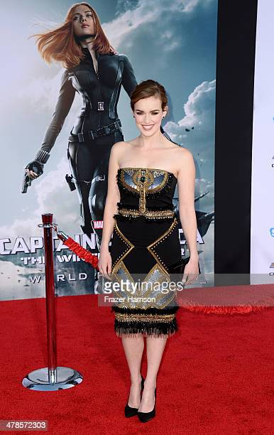 Actress Elizabeth Henstridge arrives at the premiere Of Marvel's 'Captain AmericaThe Winter Soldier at the El Capitan Theatre on March 13 2014 in...