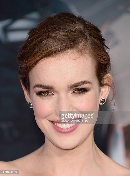 Actress Elizabeth Henstridge arrives for the premiere of Marvel's Captain America The Winter Soldier at the El Capitan Theatre on March 13 2014 in...