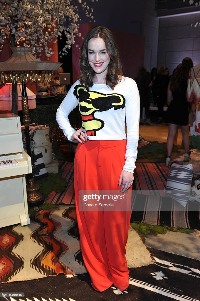 Actress Elizabeth Henstridge attends the alice + olivia by Stacey Bendet Los Angeles Runway Show at NeueHouse Los Angeles on April 13, 2016 in Hollywood, California.