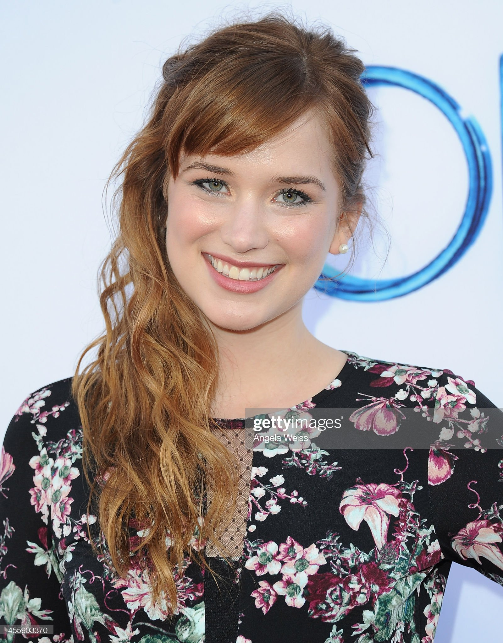 DEBATE sobre guapura de famosos y famosas - Página 41 Actress-elizabeth-lail-attends-abcs-once-upon-a-time-season-4-red-picture-id455903370?s=2048x2048