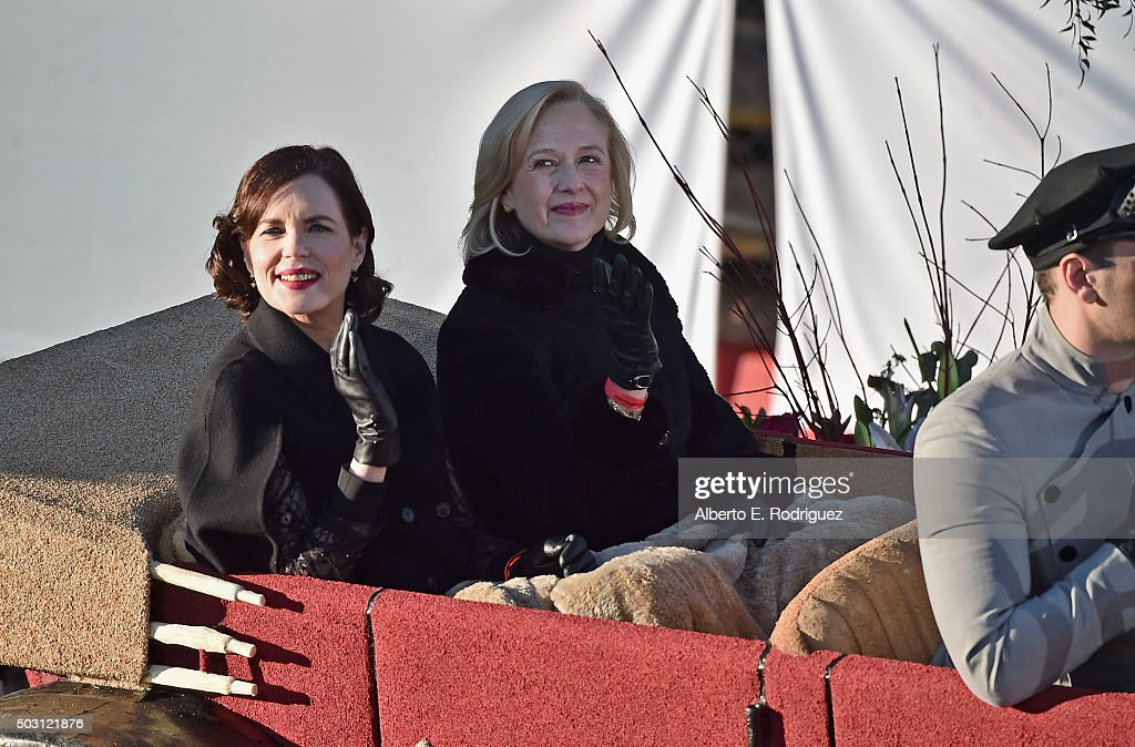 Actress Elizabeth McGovern and PBS CEO Paula Kerger participate in the 127th Tournament of Roses Parade presented by Honda on January 1, 2016 in Pasadena, California.