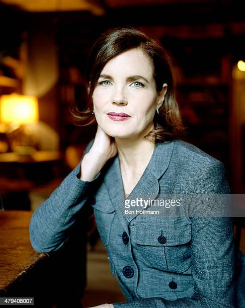 Actress Elizabeth McGovern is photographed for People Magazine on December 15, 2011 in New York City.