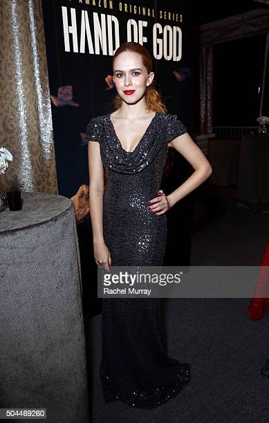 Actress Elizabeth McLaughlin attends Amazon's Golden Globe Awards Celebration at The Beverly Hilton Hotel on January 10 2016 in Beverly Hills...