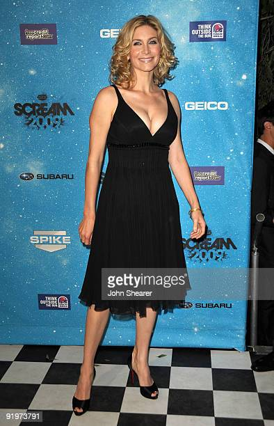 Actress Elizabeth Mitchell arrives at Spike TV's Scream 2009 held at the Greek Theatre on October 17 2009 in Los Angeles California