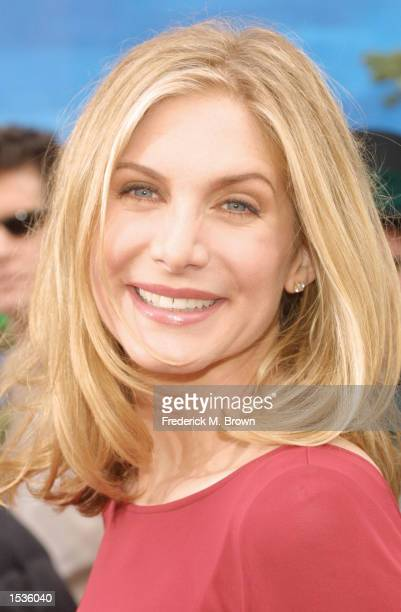 Actress Elizabeth Mitchell attends the film premiere of The Santa Claus 2 at the El Capitan Theatre on October 27 2002 in Hollywood California The...