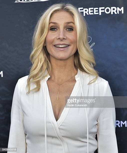 Elizabeth Mitchell: Elizabeth Mitchell Stock Photos And Pictures