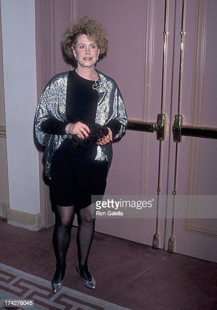 Actress Elizabeth Montgomery attends the California Fashion Industry Friends of AIDS Project Los Angeles Fourth Annual Fashion Show Dinner Benefit to...