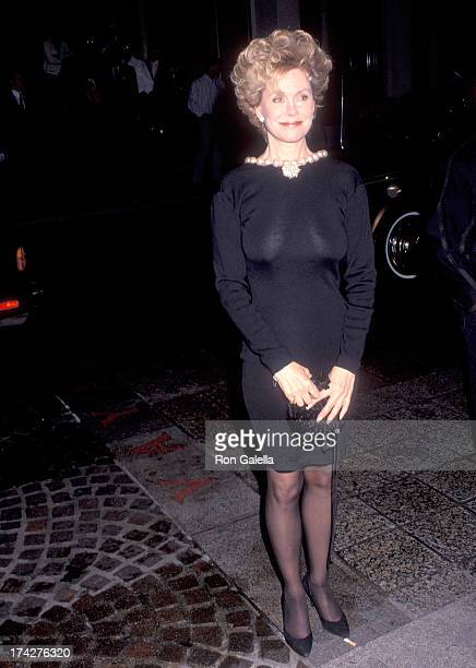 Actress Elizabeth Montgomery attends the Glitter and Be Giving Fine Jewelry Auction to Benefit amfAR and amfAR's First Award of Courage Salute to...