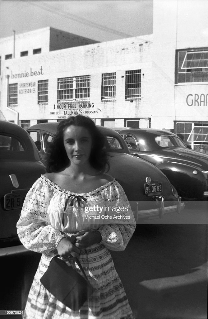 Actress Elizabeth Taylor poses for a candid portrait circa 1947 in Los Angeles, California.