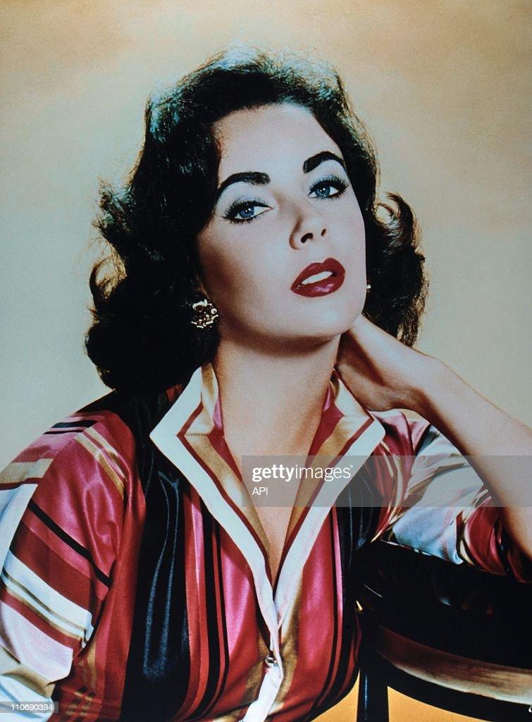 Elizabeth Taylor Archives : News Photo
