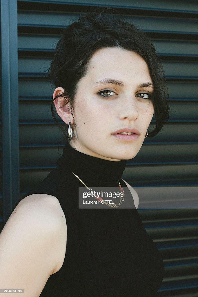 Actress Ella Rumpf... : Fotografía de noticias