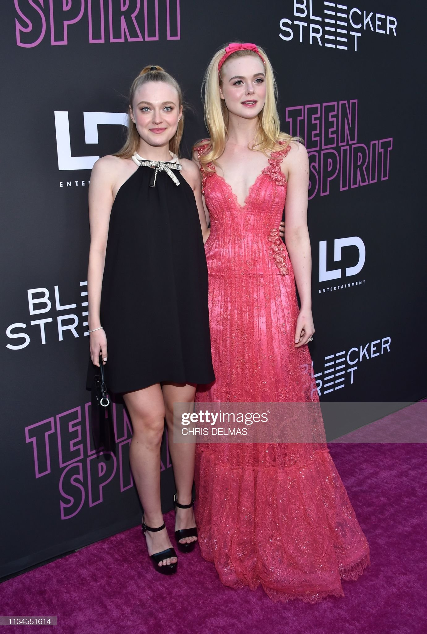 ¿Cuánto mide Dakota Fanning? - Real height Actress-elle-fanning-and-her-sister-actress-dakota-fanning-arrive-for-picture-id1134551614?s=2048x2048