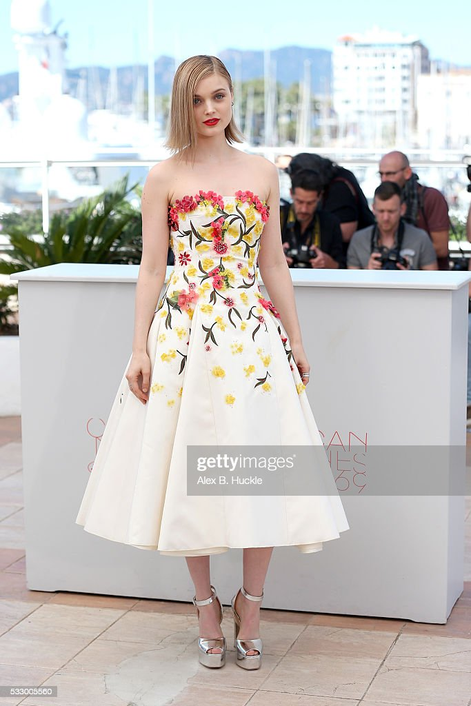 """The Neon Demon"" Photocall - The 69th Annual Cannes Film Festival"