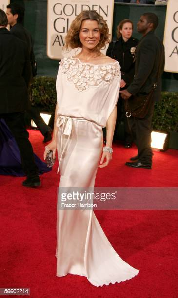 Actress Ellen Pompeo arrives to the 63rd Annual Golden Globe Awards at the Beverly Hilton on January 16 2006 in Beverly Hills California