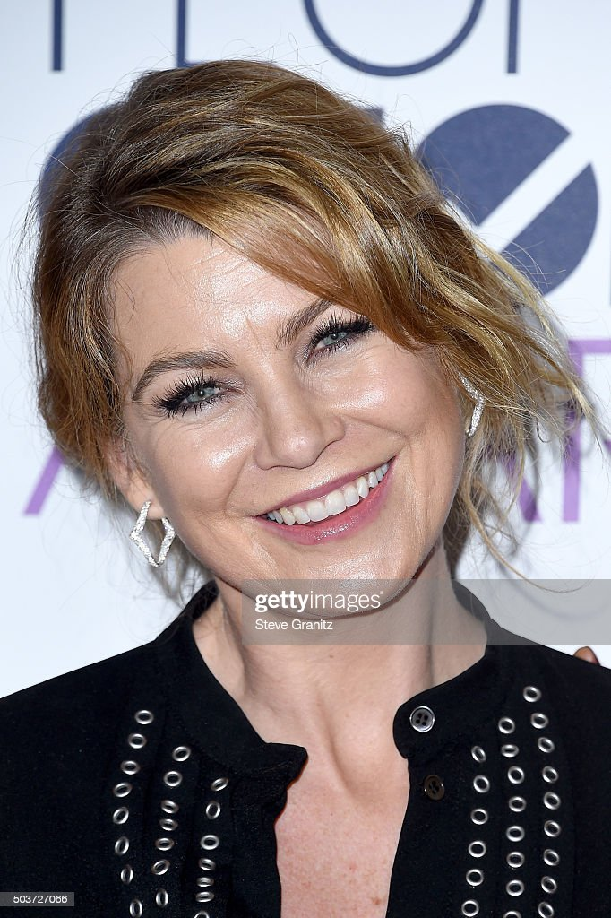 Actress Ellen Pompeo poses in the press room during the People's Choice Awards 2016 at Microsoft Theater on January 6, 2016 in Los Angeles, California.