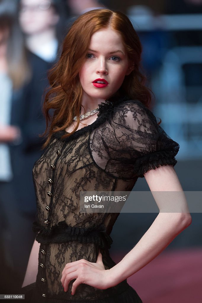 Actress Ellie Bamber attends 'The Neon Demon' Premiere during the 69th annual Cannes Film Festival at the Palais des Festivals on May 20, 2016 in Cannes, France.