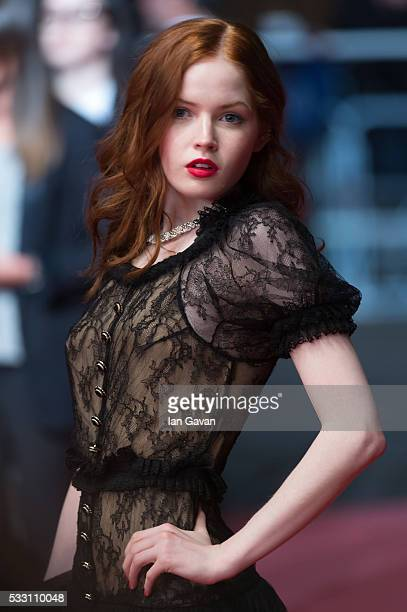 Actress Ellie Bamber attends 'The Neon Demon' Premiere during the 69th annual Cannes Film Festival at the Palais des Festivals on May 20 2016 in...