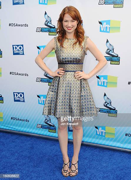 Actress Ellie Kemper arrives at the DoSomething.org And VH1's 2012 Do Something Awards at the Barker Hangar on August 19, 2012 in Santa Monica,...