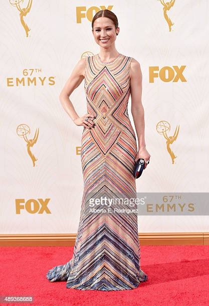 Actress Ellie Kemper attends the 67th Emmy Awards at Microsoft Theater on September 20, 2015 in Los Angeles, California. 25720_001