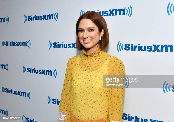 "Actress Ellie Kemper joins SiriusXM host Ron Bennington for special ""Unmasked"" event at SiriusXM Studios on October 9, 2018 in New York City."