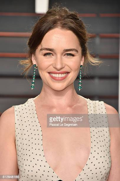 Actress Emilia Clarke attends the 2016 Vanity Fair Oscar Party Hosted By Graydon Carter at the Wallis Annenberg Center for the Performing Arts on...