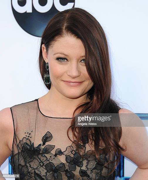 """Actress Emilie de Ravin attends ABC's """"Once Upon A Time"""" Season 4 red carpet premiere at the El Capitan Theatre on September 21, 2014 in Hollywood,..."""