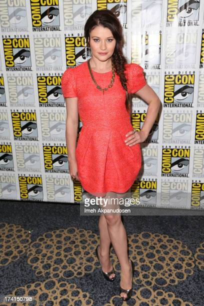 Actress Emilie de Ravin attends the 'Once Upon A Time' press line during ComicCon International 2013 at the Hilton San Diego Bayfront Hotel on July...