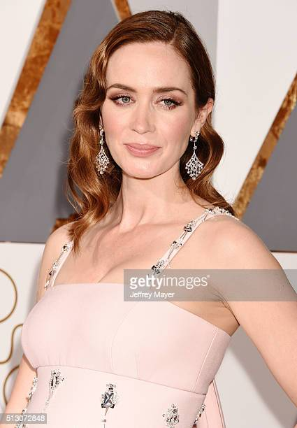 Actress Emily Blunt arrives at the 88th Annual Academy Awards at Hollywood Highland Center on February 28 2016 in Hollywood California