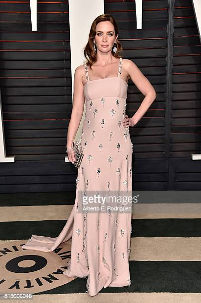 Actress Emily Blunt attends the 2016 Vanity Fair Oscar Party hosted By Graydon Carter at Wallis Annenberg Center for the Performing Arts on February...