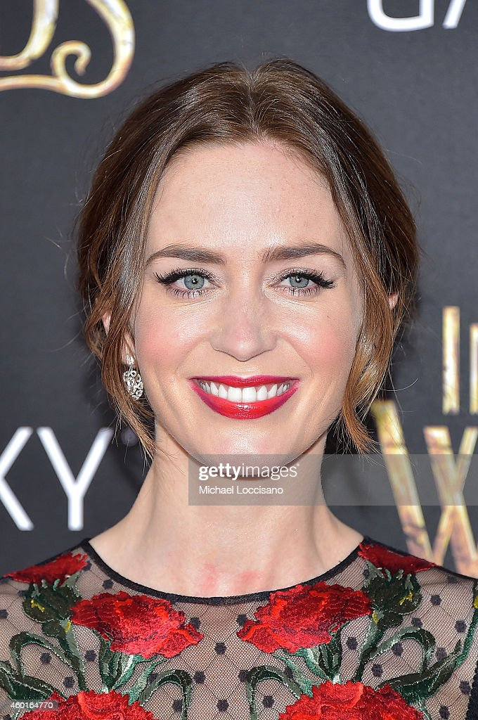 Actress Emily Blunt attends the 'Into The Woods' World Premiere at Ziegfeld Theater on December 8, 2014 in New York City.